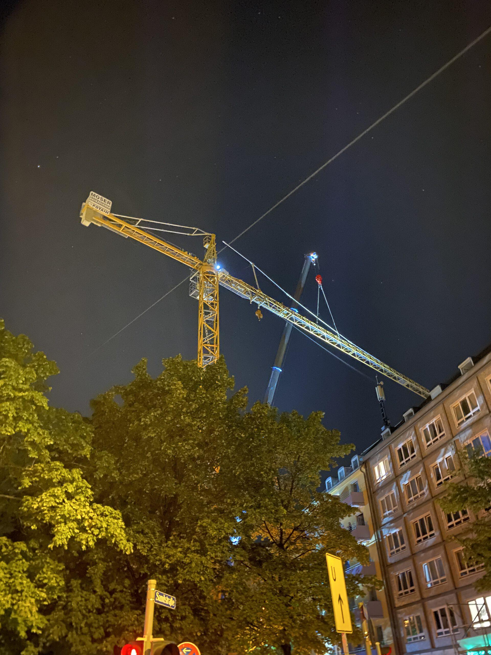Kranaufbau Nacht München