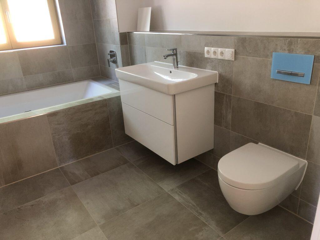 Bauträgerobjekt Badezimmer Oberhaching