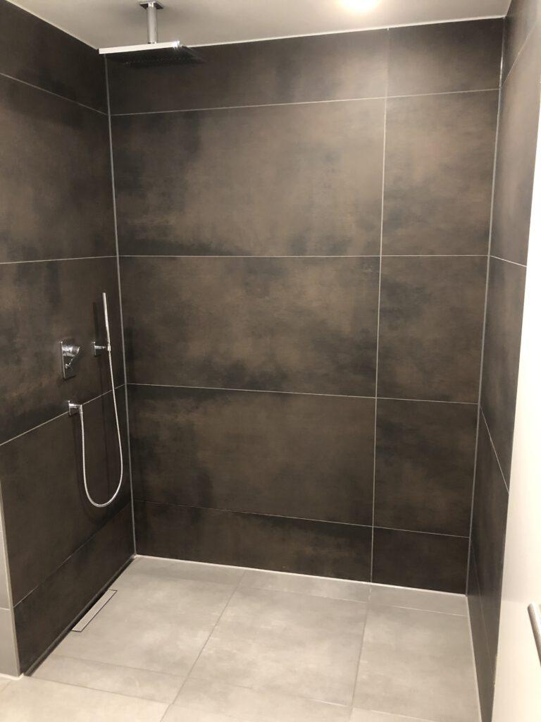 Bauträgerobjekt Duschbereich Oberhaching
